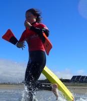 Louane faisant du sauvetage côtier